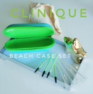 BNWT!!! CLINIQUE neoprene cosmetic case gift set